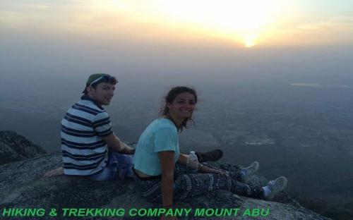 hiking-on-mountabu-1